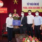 Lazada trao tặng 10.000 bộ trang phục bảo hộ y tế cho Đà Nẵng chống dịch COVID-19
