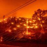 California chịu 12.000 lưỡi tầm sét