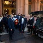 Huyền thoại bóng đá Maradona an nghỉ bình dị