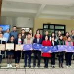 """Lazada trao tặng hơn 20.000 cuốn sách """"Góp sách ươm mơ"""" cho học sinh Quảng Trị"""