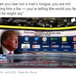 """Nhân chuyện Tổng thống Donald Trump bị mạng xã hội """"khóa tài khoản"""""""