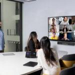 Microsoft và LinkedIn chia sẻ về mô hình làm việc kết hợp hybrid work thời bình thường mới